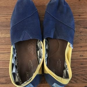 Toms- blue and yellow